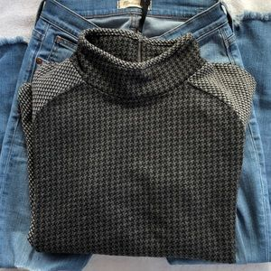 Lou & Grey pullover Size M